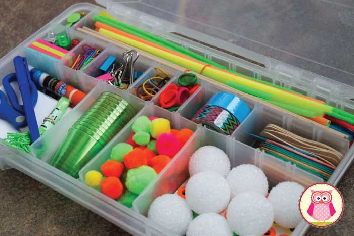 When provided with a wide variety of materials, preschool age kids can really use their imaginations and create so many wonderful and different things. That's why I love the open-ended opportunities that a tinker tray provides. Tinker trays are great in a preschool, pre-k classroom creation station, but today I made a portable tinker tray....a simple DIY gift.