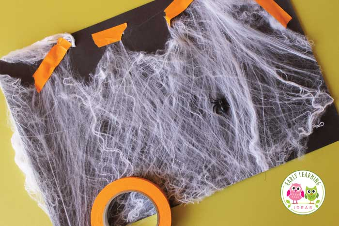 Have you ever used spider webs for art activities? Here are several ideas for creating spider web art with your kids. These process art activities are great for your art center during a Halloween theme or spider theme unit or lesson plans in preschool and pre-k classroom. Preschoolers will love these fun ideas and spider activities. Keep those little hands busy with some awesome Halloween art. Teachers will love the simple projects for kids. #preschool #spideractivities