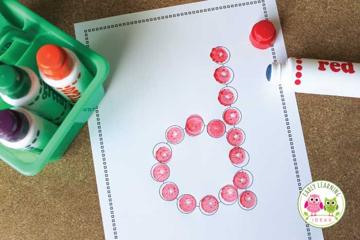 Check out all these fun ways to use printable alphabet dot letters with your kids. Teach letter recognition and letter formation while providing many opportunities for sensory input and fine motor practice with these letter dot pages. Perfect for teaching the letters in a variety of ways in your preschool and pre-k classroom. Your students will enjoy using these alphabet printables....perfect for your literacy centers. You will love all these ideas #preschool #prek #alphabetactivities