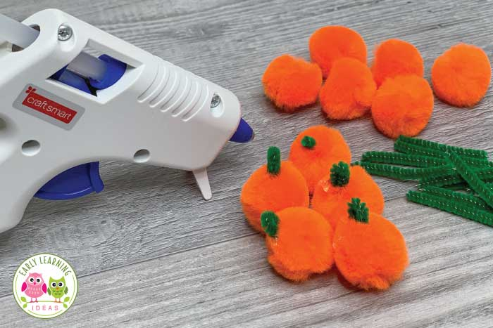 Check out these fun and exciting fine motor activities for fall. Perfect for kids and your Halloween theme, pumpkin theme, or fall theme unit and lesson plans in the preschool and pre-k classroom or at home. These pumpkin theme, leaf them, and spider theme activities are great for the occupational therapy room as well. Many of the fine motor activities use household items or things from nature. Free printables are featured.